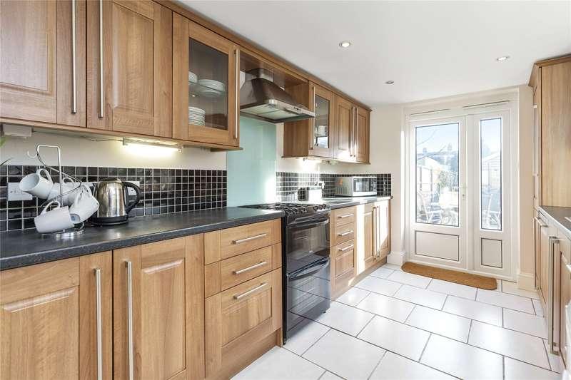 3 Bedrooms Detached House for sale in Elmgrove Road, Weybridge, Surrey, KT13