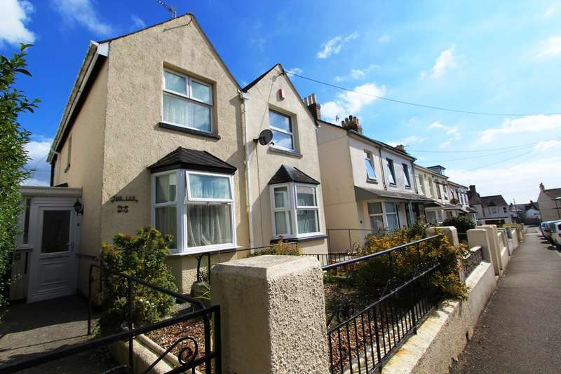 2 Bedrooms Semi Detached House for sale in York Road , Torpoint