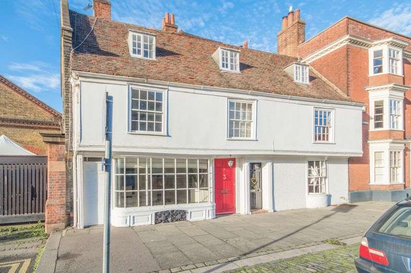 5 Bedrooms Terraced House for sale in Faversham