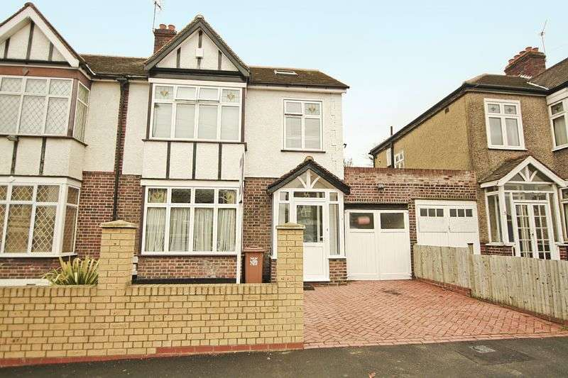 4 Bedrooms Semi Detached House for sale in Harland Road, Lee SE12