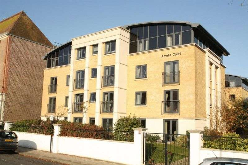 1 Bedroom Flat for sale in Amelia Court : Assisted Living retirement apartment - Walk to Waitrose !