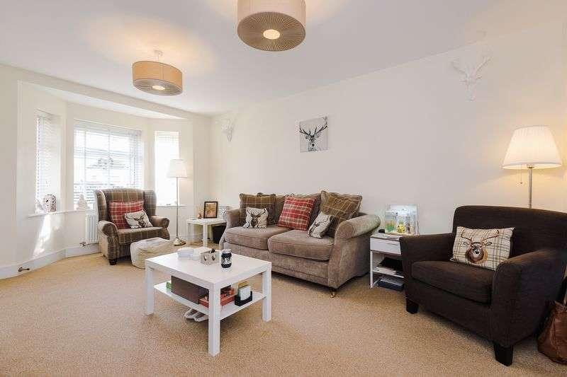 4 Bedrooms Semi Detached House for sale in Ellington Way, St. Helens