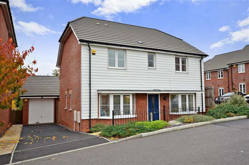 4 Bedrooms Detached House for sale in Plaxton Way, Herne Bay, Kent