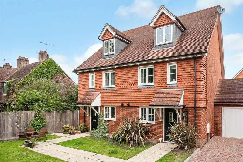 4 Bedrooms Semi Detached House for sale in Flint Close, Horley, Surrey, RH6