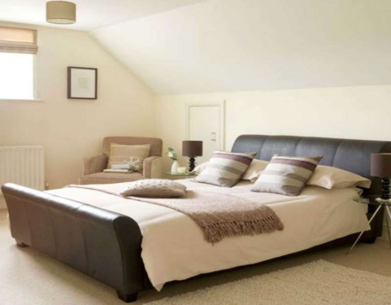3 Bedrooms Flat for sale in 5a Camberwell Road, London.