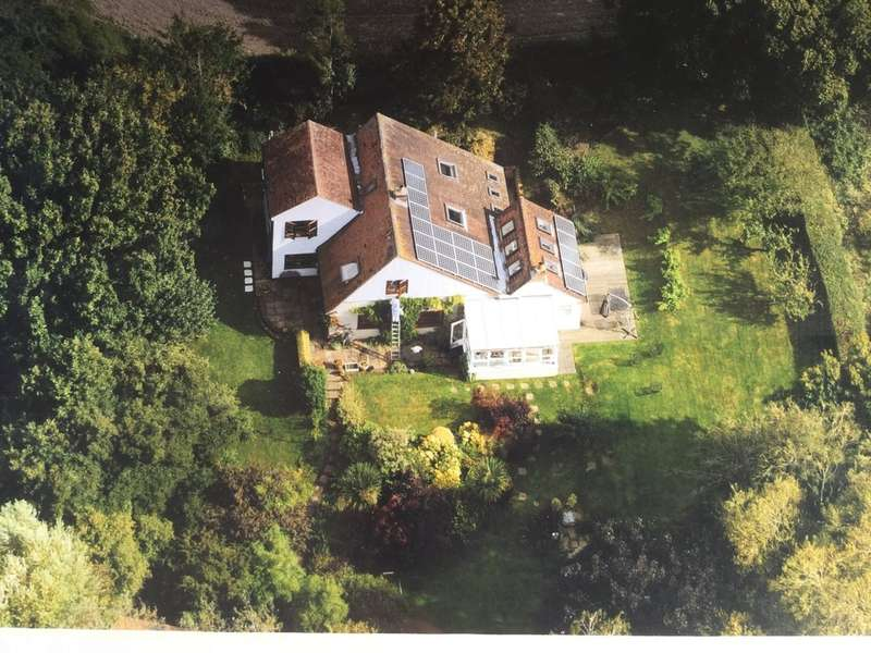 5 Bedrooms Detached House for sale in Shalfleet, Isle of Wight