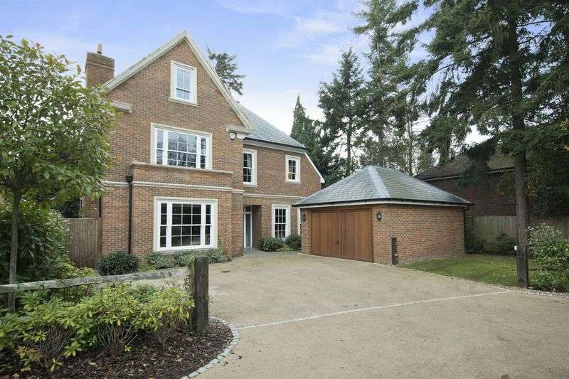 5 Bedrooms Detached House for sale in Spring Place, Cobham
