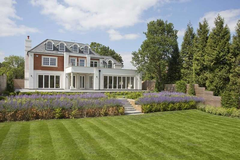 6 Bedrooms Detached House for sale in Birds Hill Rise, Oxshott