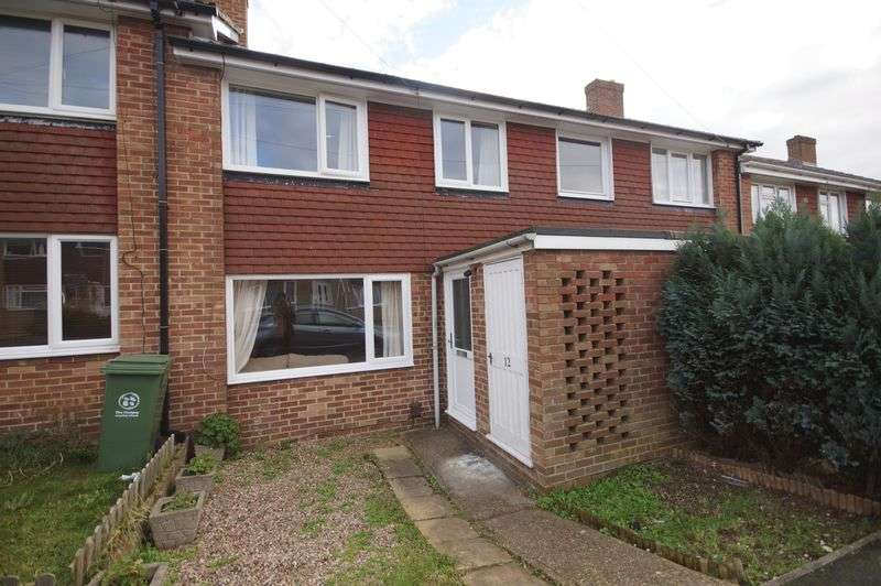 3 Bedrooms Terraced House for sale in Farmlea Road, Portsmouth, PO6