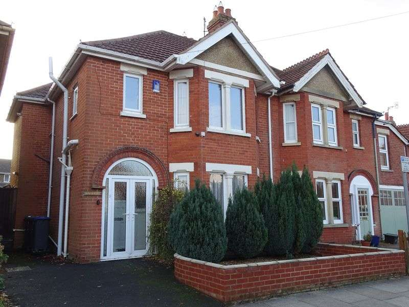 3 Bedrooms Semi Detached House for sale in Burford Avenue, Harnham