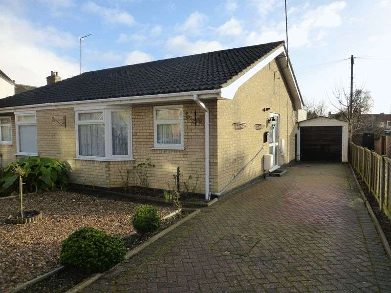 1 Bedroom Semi Detached Bungalow for sale in Pakefield