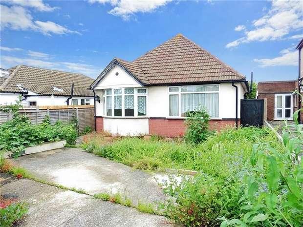 3 Bedrooms Detached Bungalow for sale in Glenwood Way, CROYDON