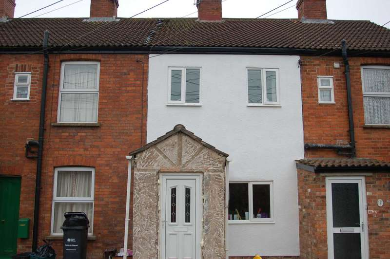 2 Bedrooms Terraced House for sale in Mill Lane, Taunton