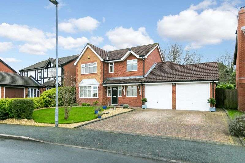 4 Bedrooms Detached House for sale in Pilgrims Way, Standish, WN6 0AJ