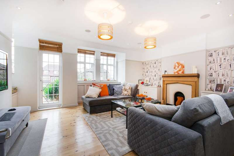 3 Bedrooms Flat for sale in Park Hill Court, Tooting Bec, SW17