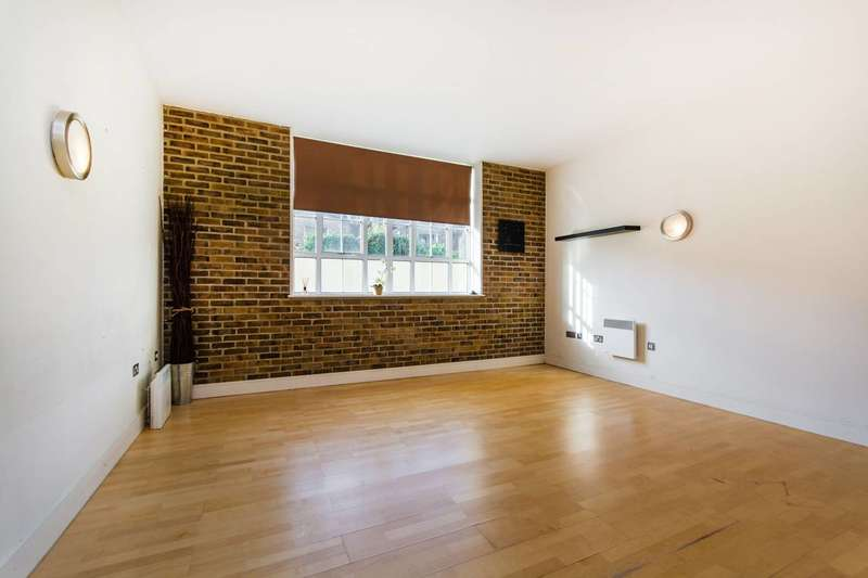 1 Bedroom Flat for sale in Peckham Grove, Peckham, SE15