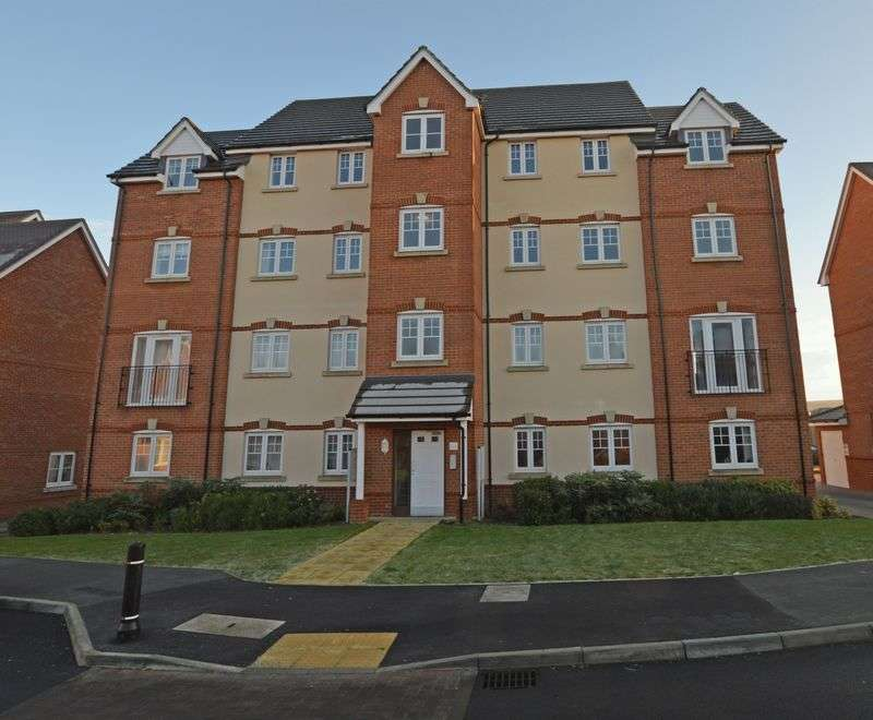 2 Bedrooms Flat for sale in Garstons Way, Holybourne, Alton, Hampshire