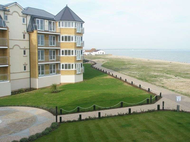 2 Bedrooms Flat for sale in 12 San Diego Way, Eastbourne, BN23