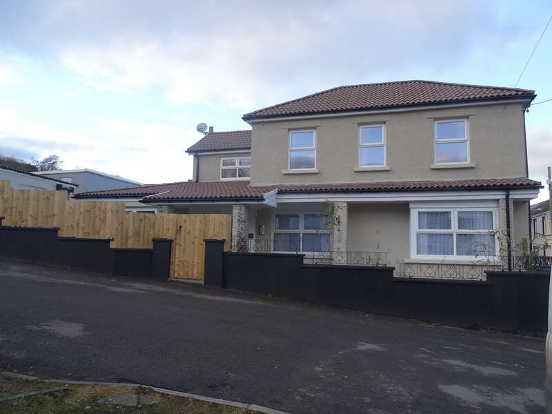 3 Bedrooms End Of Terrace House for sale in Abercanaid, Merthyr Tydfil