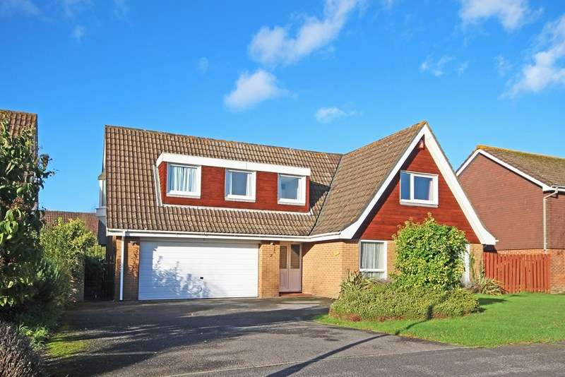 4 Bedrooms Detached House for sale in Moorlands Close, Brockenhurst