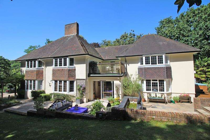 5 Bedrooms Detached House for sale in Blackbush Road, Milford On Sea, Lymington