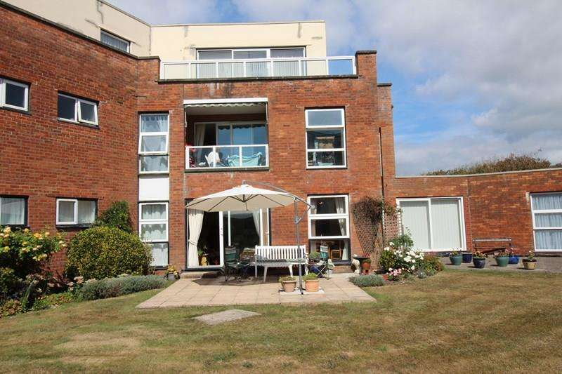 2 Bedrooms Ground Flat for sale in Pless Road, Milford On Sea, Lymington