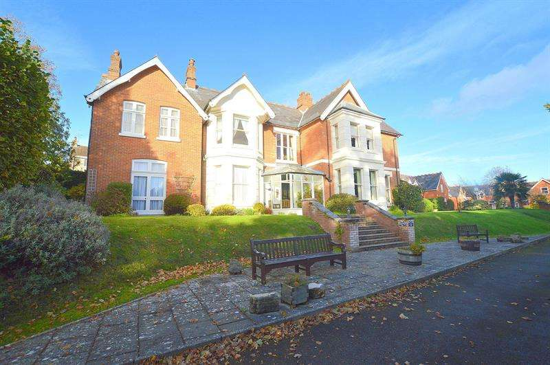 2 Bedrooms Apartment Flat for sale in 22 St Johns Hill, Wimborne