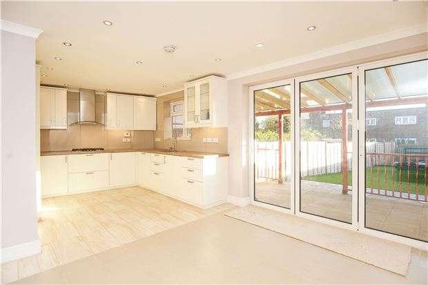 5 Bedrooms Semi Detached House for sale in Crummock Gardens, KINGSBURY, NW9 0DE