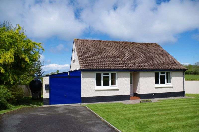 2 Bedrooms Detached Bungalow for sale in Sea View Bungalow, Caffyns Cross, Lynton