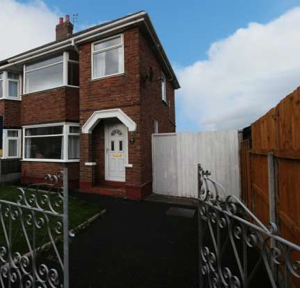 3 Bedrooms Property for sale in Crofton Avenue, Blackpool, Lancashire, FY2 0BB