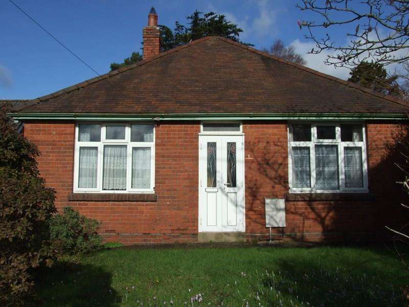 2 Bedrooms Bungalow for sale in Lytchett Matravers, Poole BH16