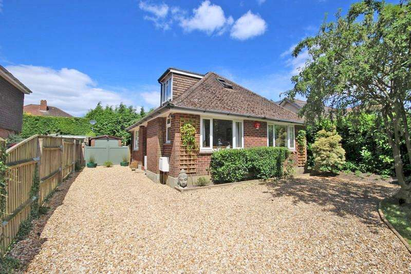 3 Bedrooms Chalet House for sale in School Road, Bransgore, Christchurch