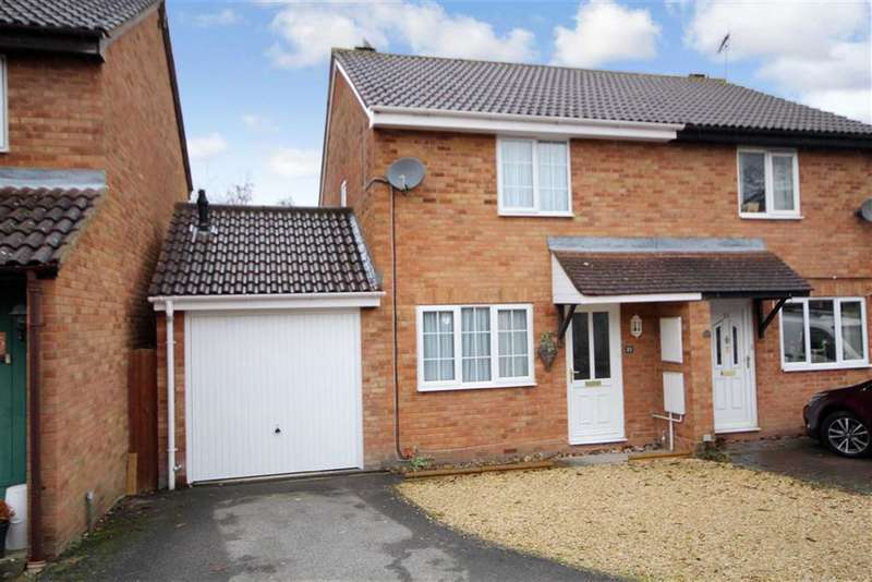 3 Bedrooms Property for sale in Marigold Close, Woodhall Park, Swindon