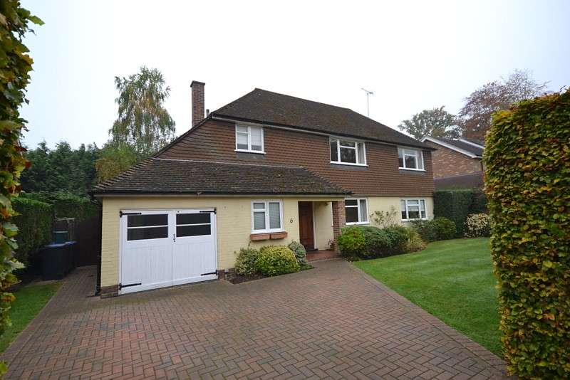 4 Bedrooms Detached House for sale in West Byfleet