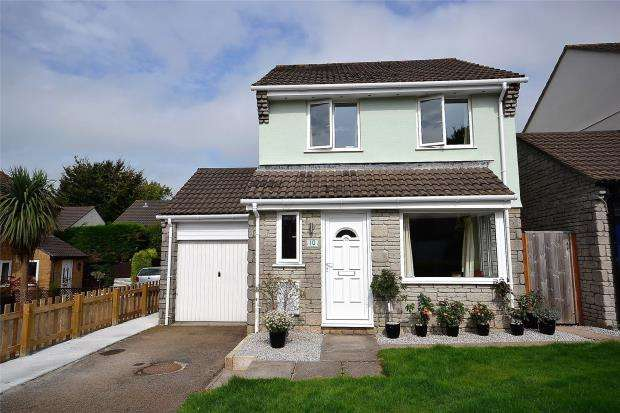 3 Bedrooms Detached House for sale in Amble Road, Callington, Cornwall