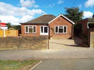 3 Bedrooms Bungalow for sale in Village Green Avenue, Biggin Hill, Westerham
