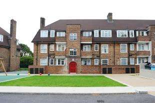 4 Bedrooms Flat for sale in Dunfield Gardens, London