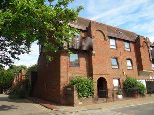 1 Bedroom Flat for sale in Castle Street, Canterbury