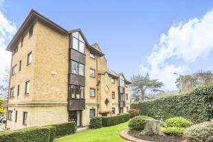 2 Bedrooms Flat for sale in Mayfair Court, 15 Park Hill Rise, Croydon