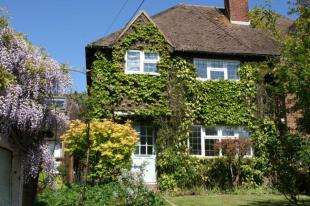 3 Bedrooms Semi Detached House for sale in Cowden Hall Lane, Vines Cross, Heathfield, East Sussex