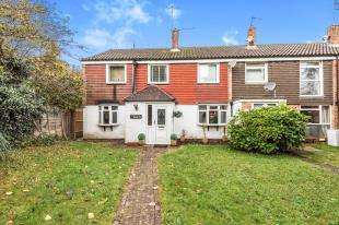 4 Bedrooms End Of Terrace House for sale in Gorse Close, Copthorne, West Sussex