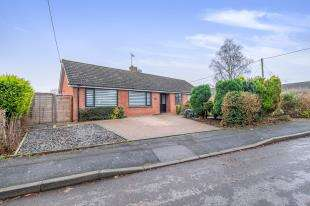 4 Bedrooms Bungalow for sale in Ashford Drive, Kingswood, Maidstone, Kent