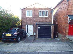 3 Bedrooms Detached House for sale in Sidney Road, Rochester, Kent