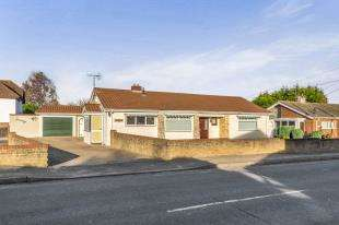 3 Bedrooms Bungalow for sale in The Street, Bredhurst, Gillingham, Kent