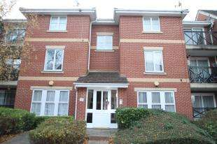 2 Bedrooms Flat for sale in Marathon Way, London