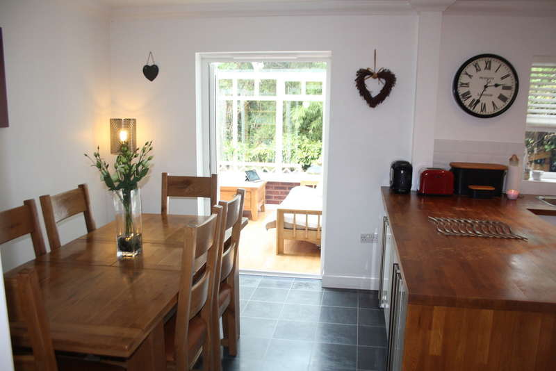 4 Bedrooms Detached House for sale in Rockbeare, Exeter