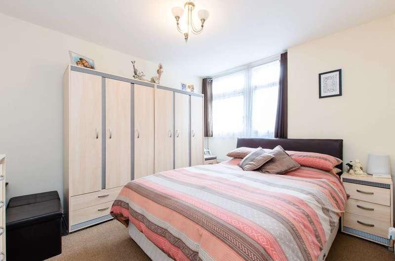 3 Bedrooms Maisonette Flat for sale in Rupert Gardens, Brixton, SW9