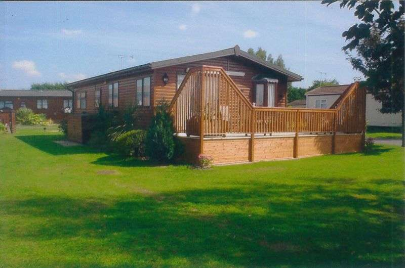 3 Bedrooms Flat for sale in Promenade Way, Brightlingsea Leisure Village