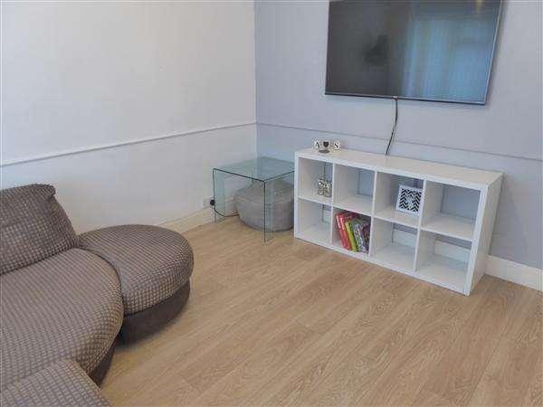 3 Bedrooms Semi Detached House for sale in Strathdene Road, Birmingham