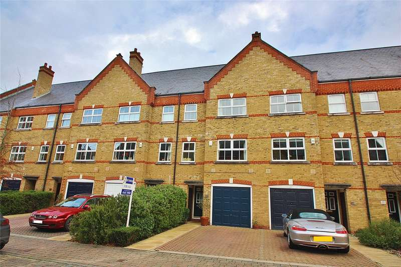 3 Bedrooms Terraced House for sale in Silistria Close, Knaphill, Woking, Surrey, GU21